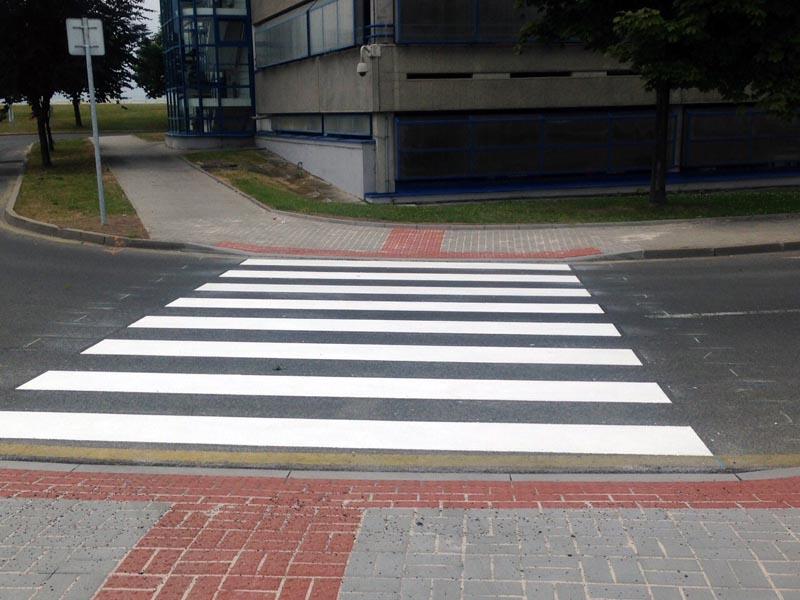 Vodorovné dopravní značení 03