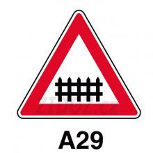 A29 - Železniční přejezd se závorami