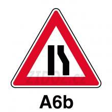 A06b - Zúžená vozovka (zjedné strany)