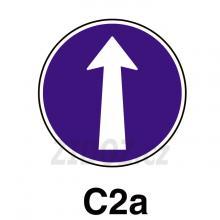 C02a - Přikázaný směr jízdy přímo