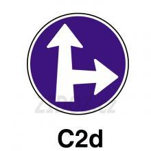 C02d - Přikázaný směr jízdy přímo a vpravo